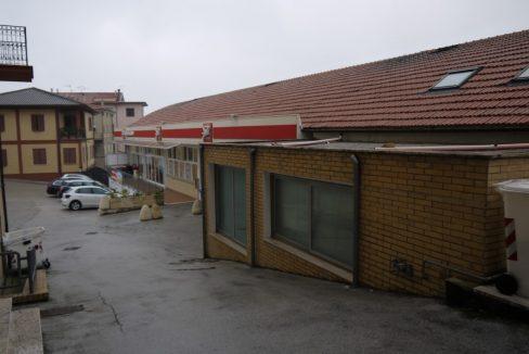 Locale commerciale negozio-Monte san giusto-3